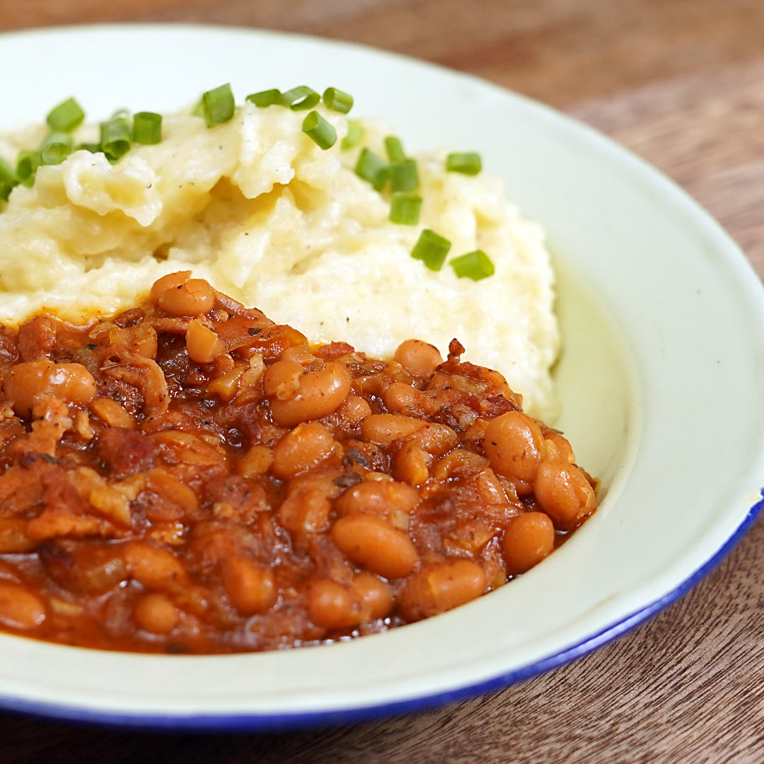 SPICY BACON BAKED BEANS