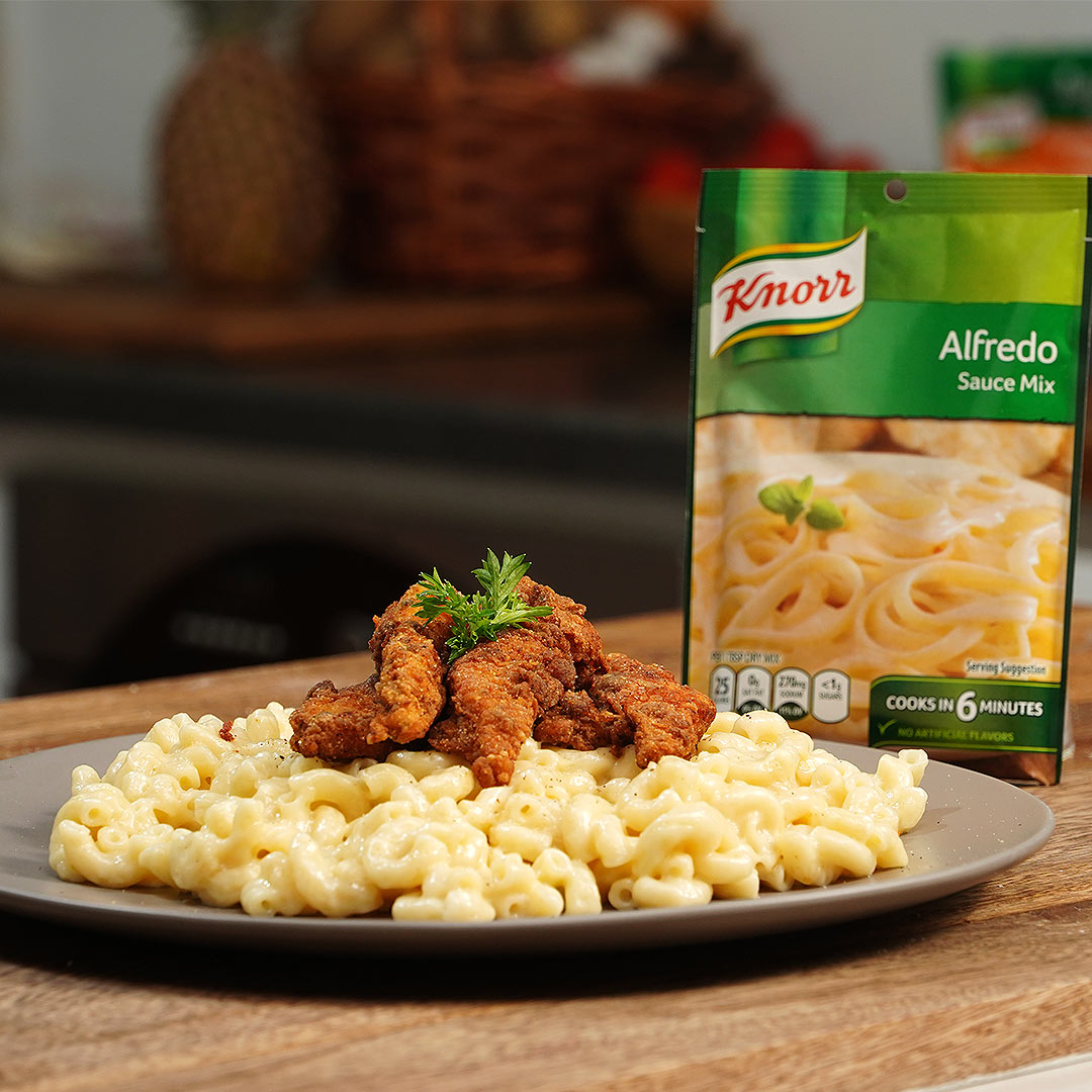 Fried Chicken With Creamy Mac & Cheese
